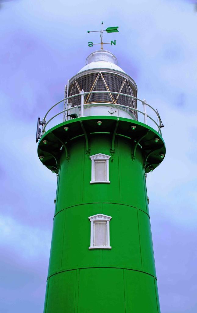 Starboard lighthouse Fremantle Harbour entrance by maureenpp
