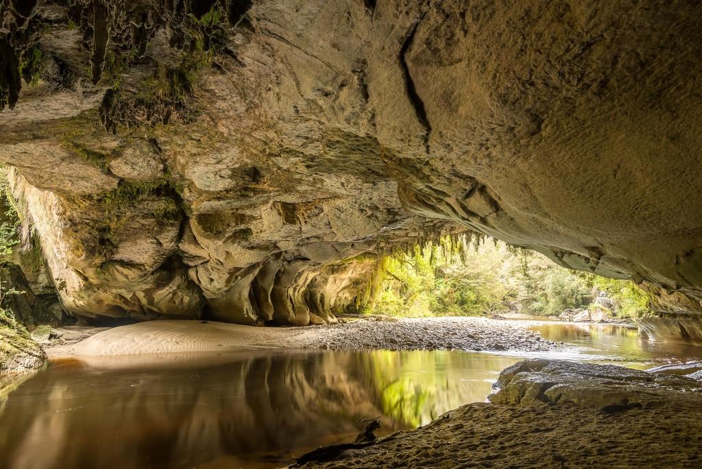 Oparara Cave by yaorenliu