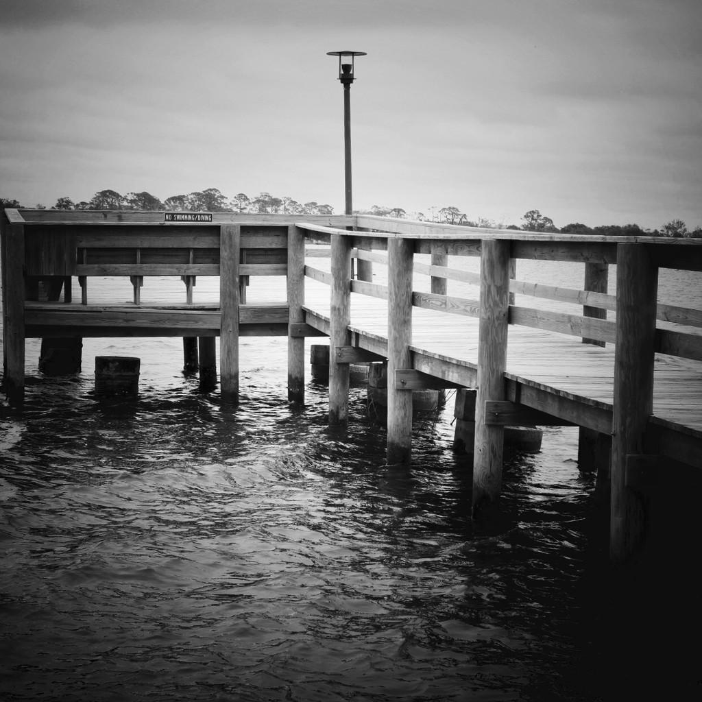 The pier by joemuli