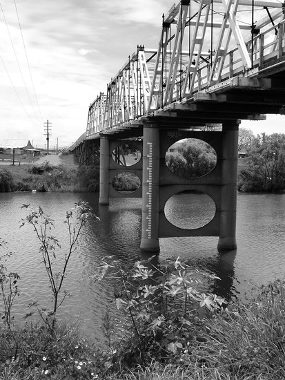 Morpeth Bridge by onewing