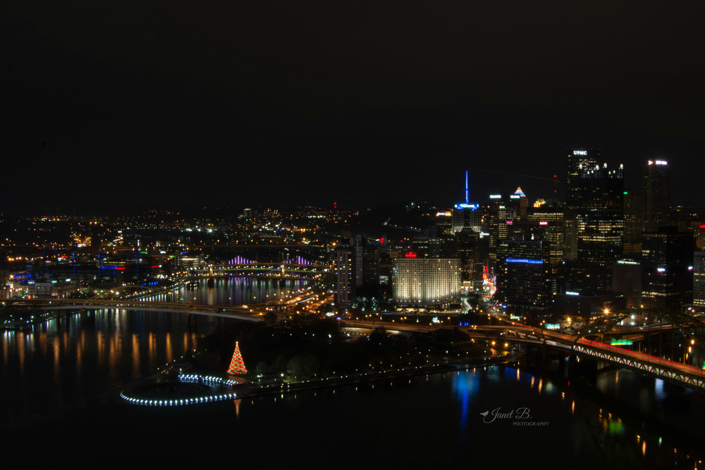 Pittsburgh At Night by janetb