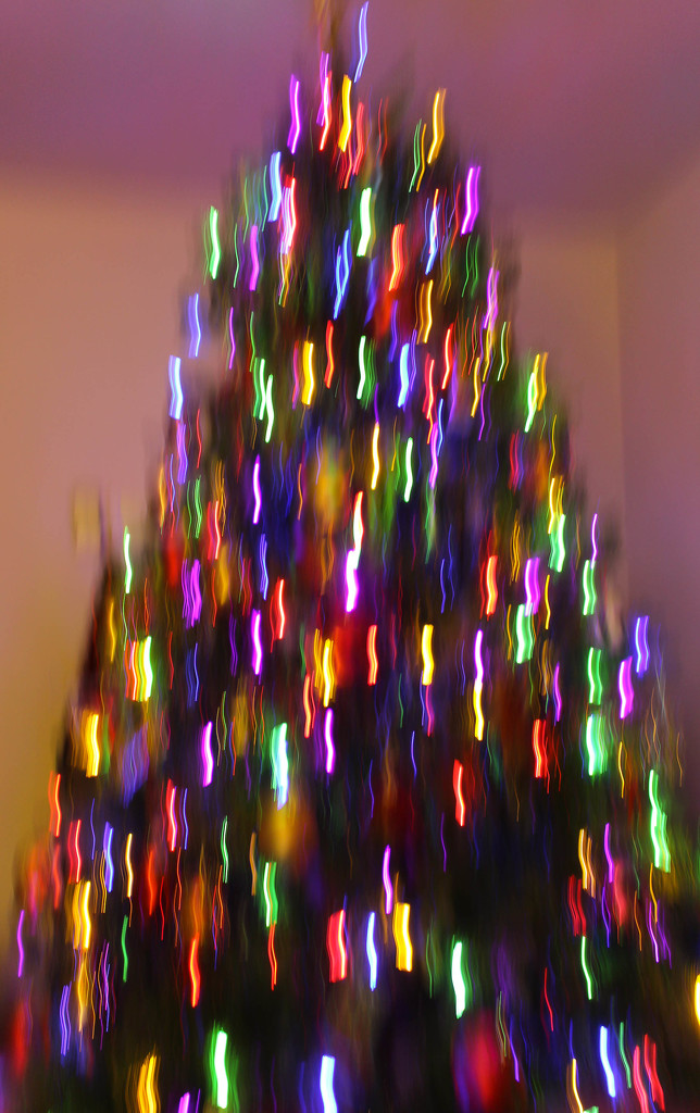 ICM Christmas tree by mittens