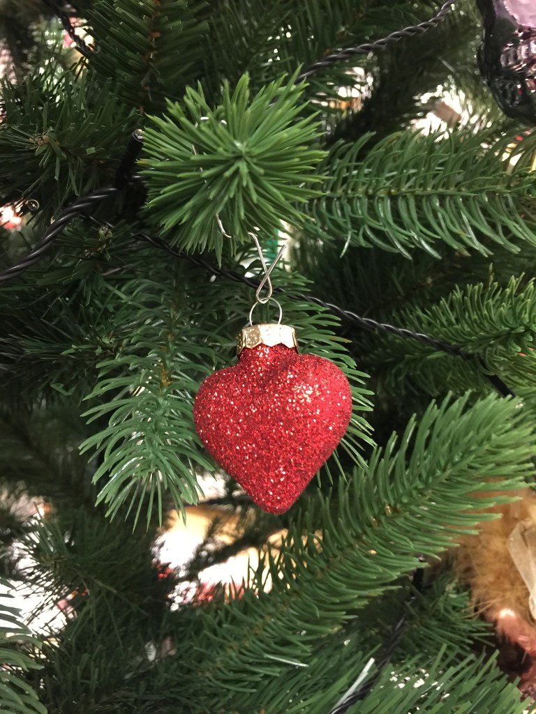 Christmas heart.  by cocobella