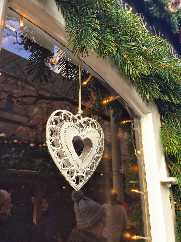 Heart at the Christmas market.   by cocobella