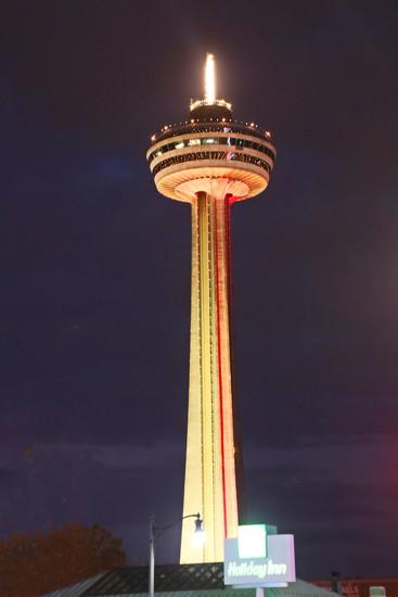 Skylon Tower, Niagara by terryliv
