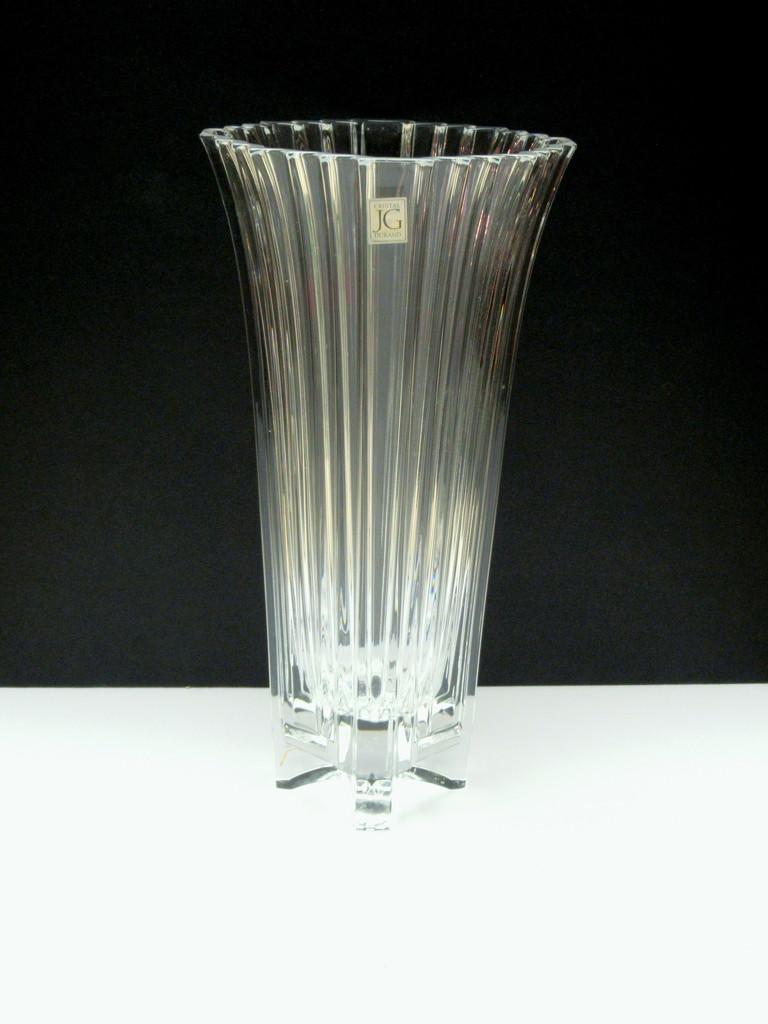 Crystal vase by bruni