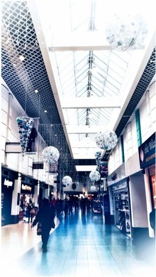 Xmas shopping! by lyndamcg
