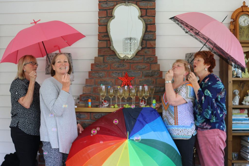 Brolly girls bubbling help! by gilbertwood