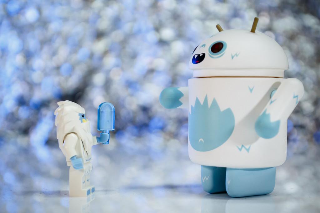 Lego Yeti meets Android Yeti by batfish