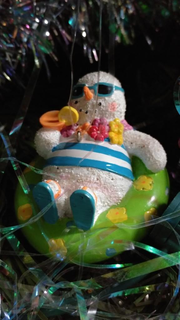 Tropical Snowman by jo38