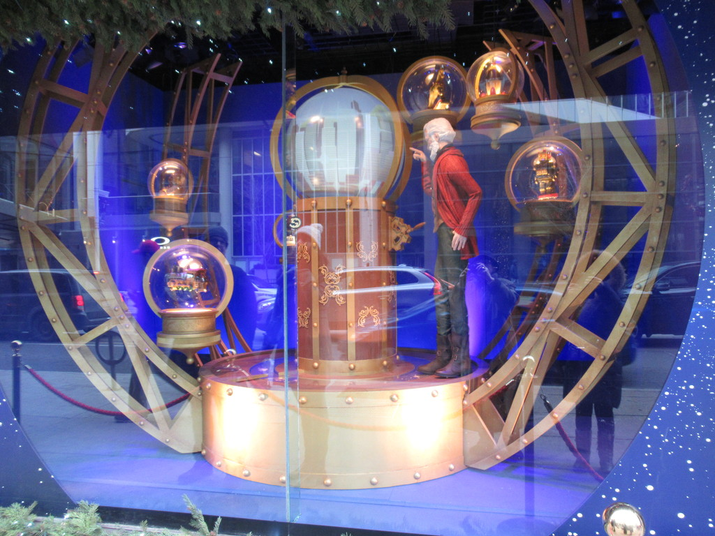Christmas window display 2 by bruni
