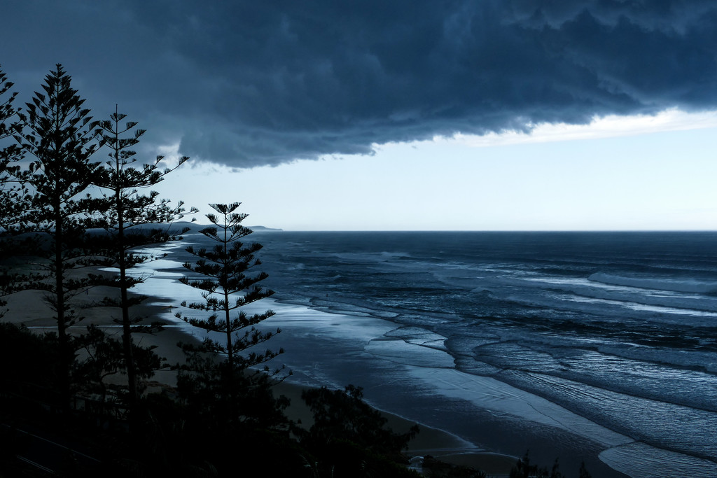 storms over the Sunshine Coast by hrs