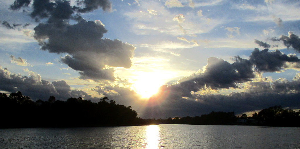 Sunset over the River Murray by 777margo
