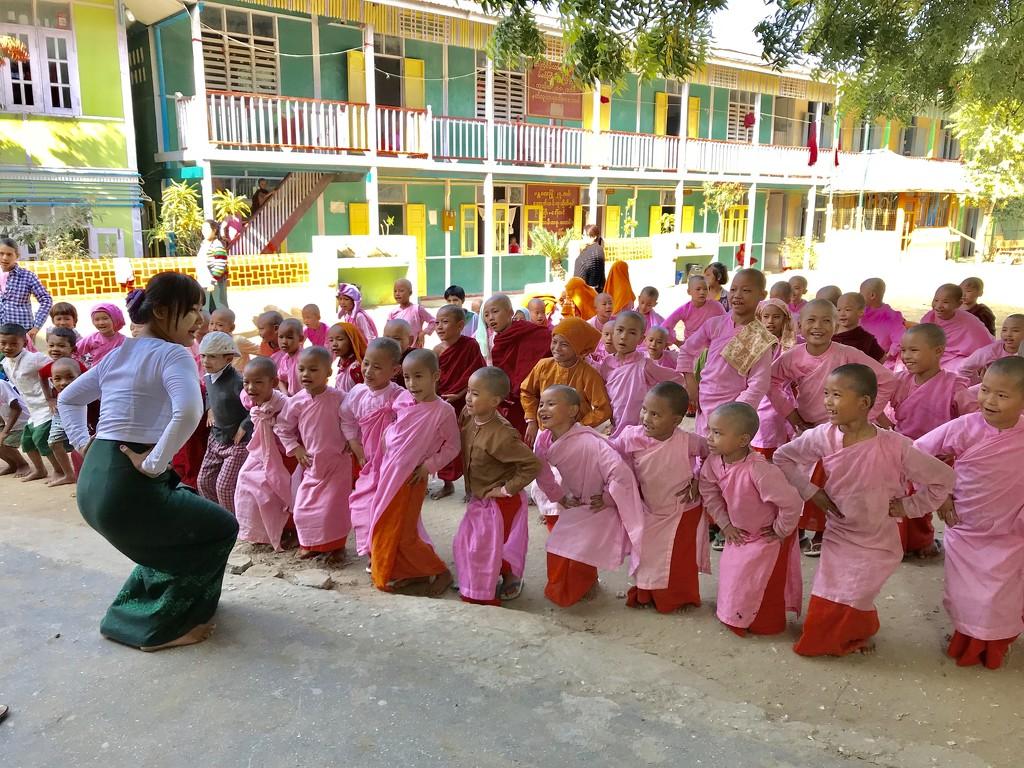 Aung Myae Oo monastic school by golftragic