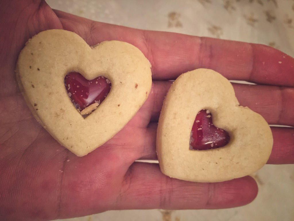 Heart biscuits  by cocobella