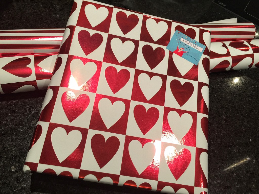 Hearts on present.  by cocobella