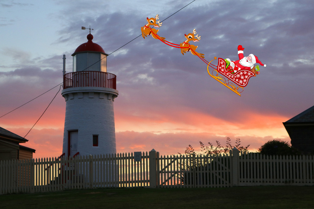 Here comes Santa Claus by gilbertwood