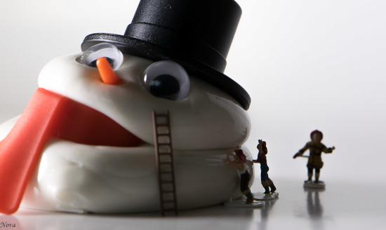 Melting snowman by novab