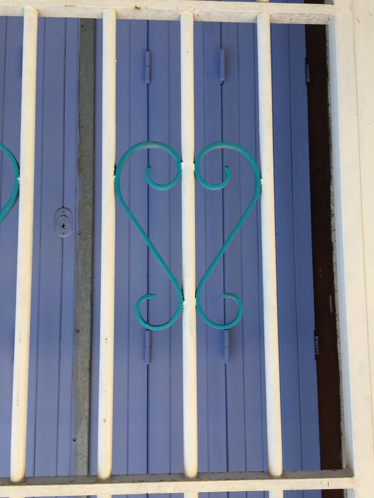 Heart in prison.  by cocobella