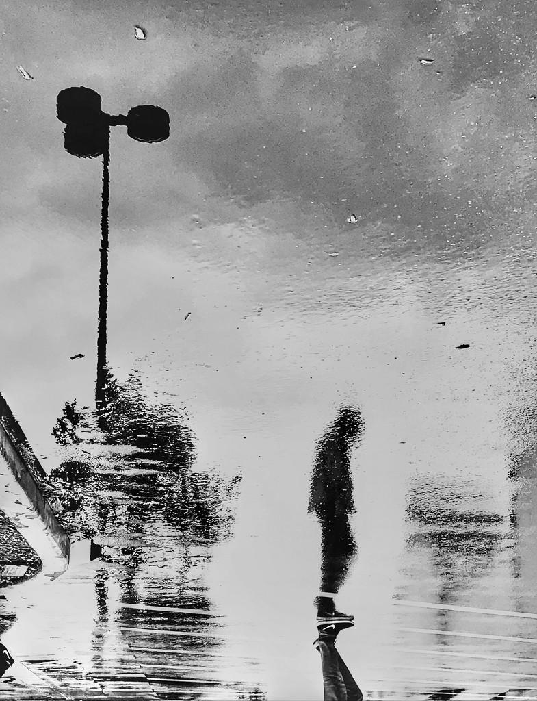 DESREVER NI~☔️💦💧 by joemuli