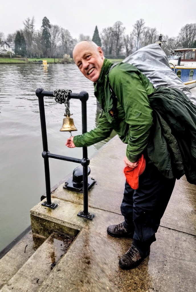 Ringing the bell for the Shepperton ferry by boxplayer
