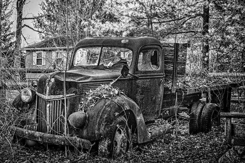 this old Ford... by jackies365