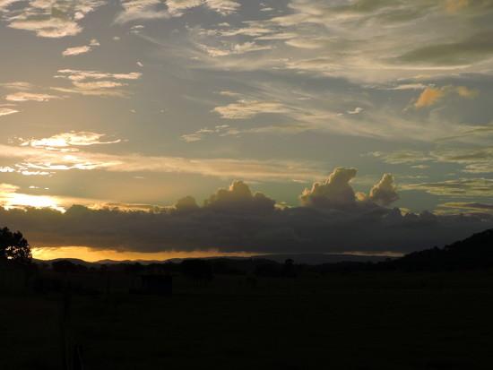 Cloudy Summer Sunset by ubobohobo