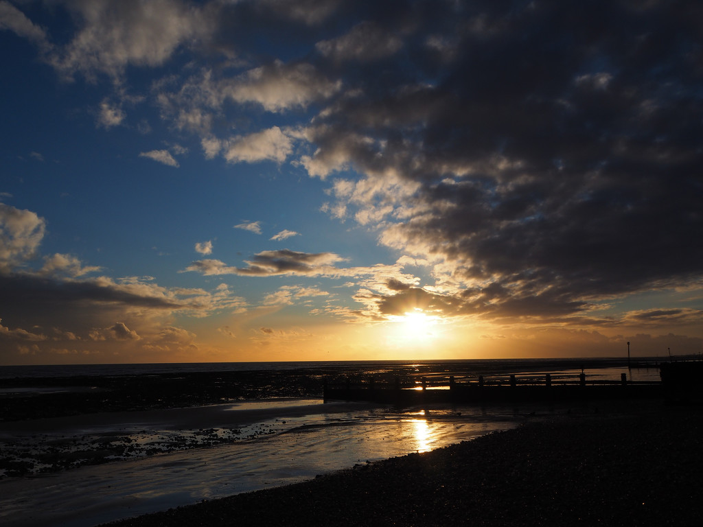 Rustington beach sunset by josiegilbert
