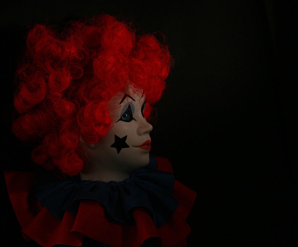 Bring in the clown by kiwinanna