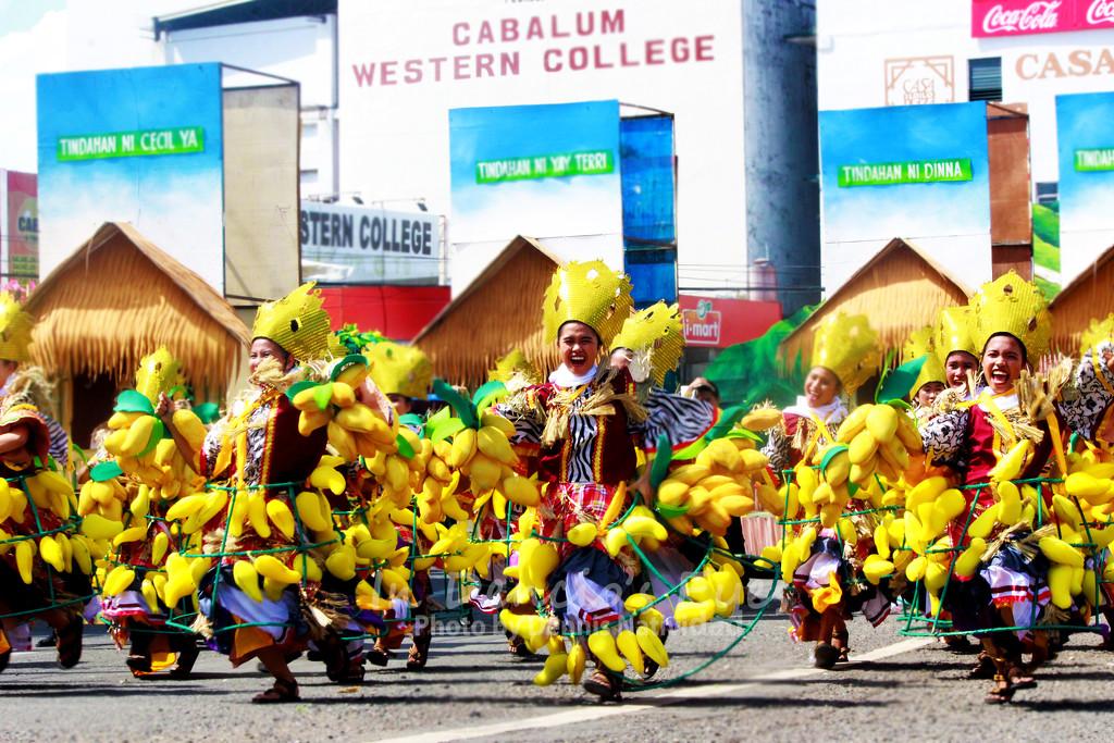 Hubon Mangunguma sa Manggahan - Fiesta Pilipinas 2018 by iamdencio