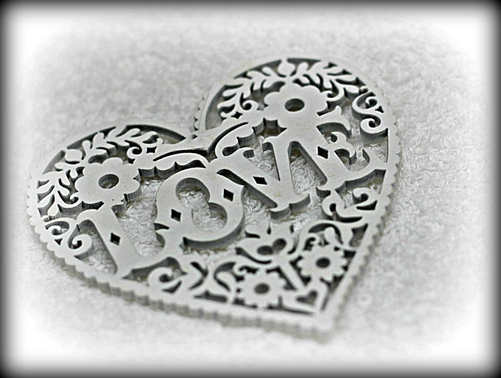 Love  Heart. by wendyfrost