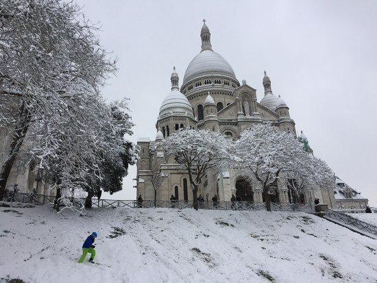 Skiing at Montmartre by jamibann
