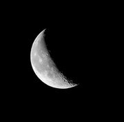 9th Feb 2018 - Monochrome moon...