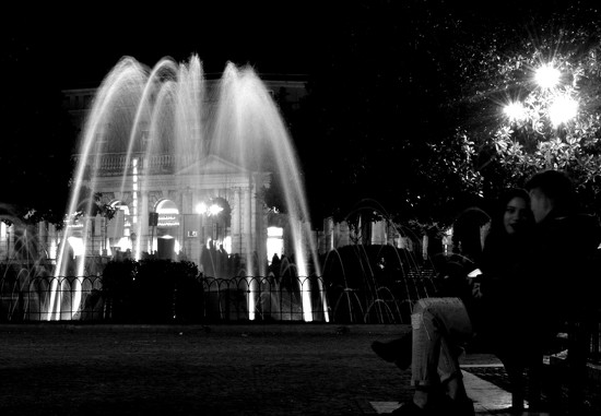 Fountain and lovers by caterina