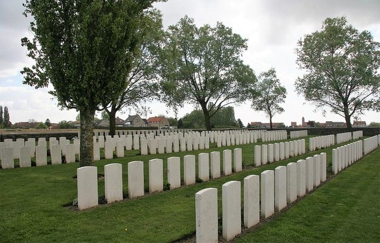 124 Messines Ridge British Cemetery by travel