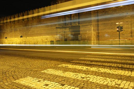 Yellow light trails near Castelvecchio by spectrum