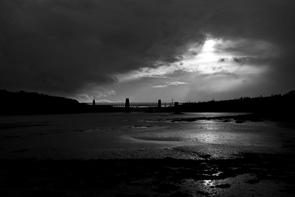Britannia Bridge. by gamelee