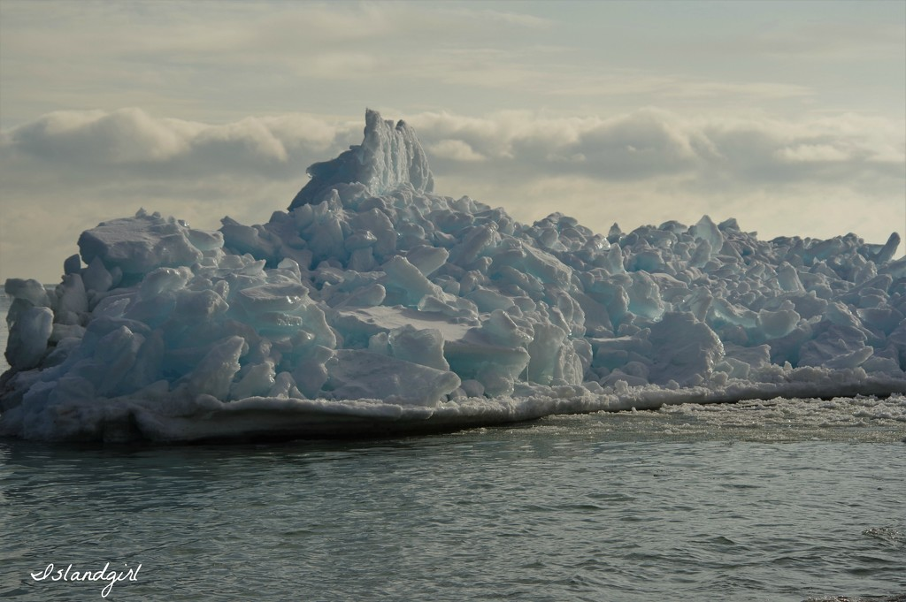 Ice Mountain by radiogirl