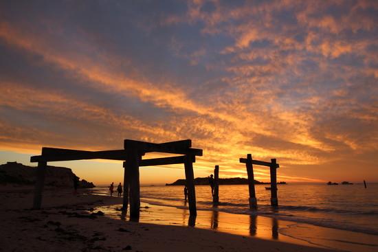 Sunset at Hamelin Bay by leestevo