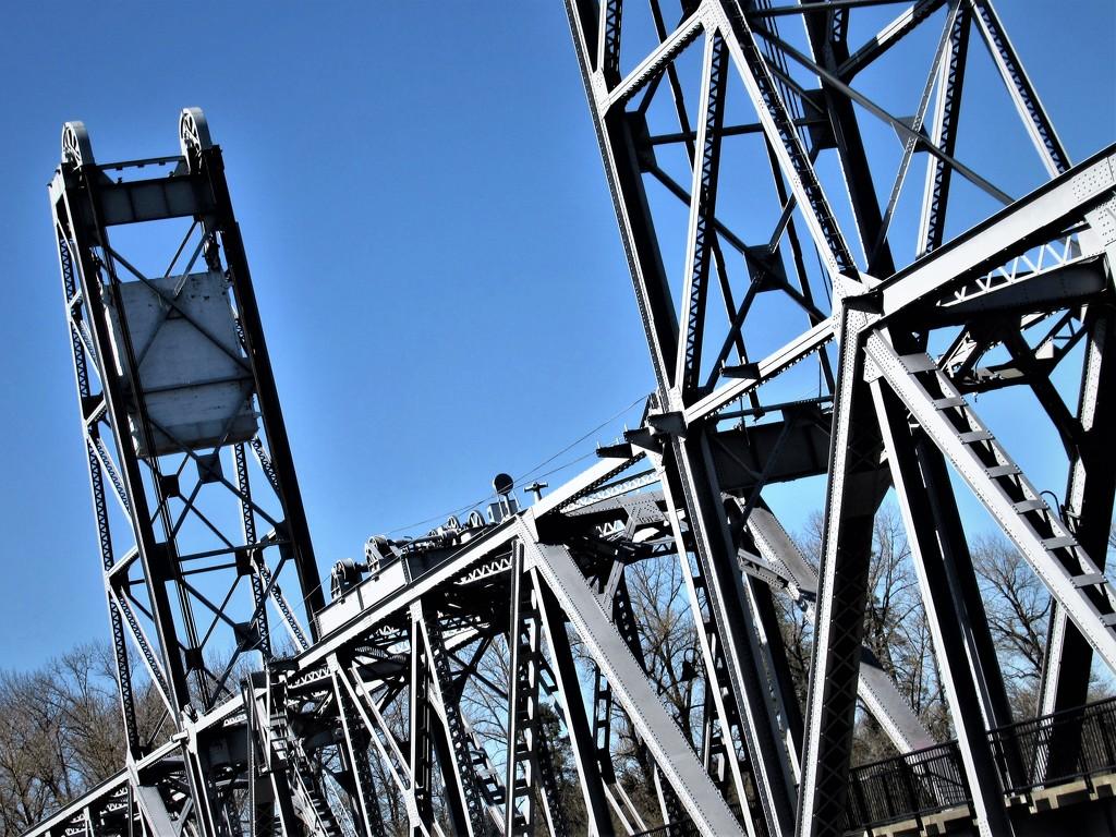 D - Draw Bridge by granagringa
