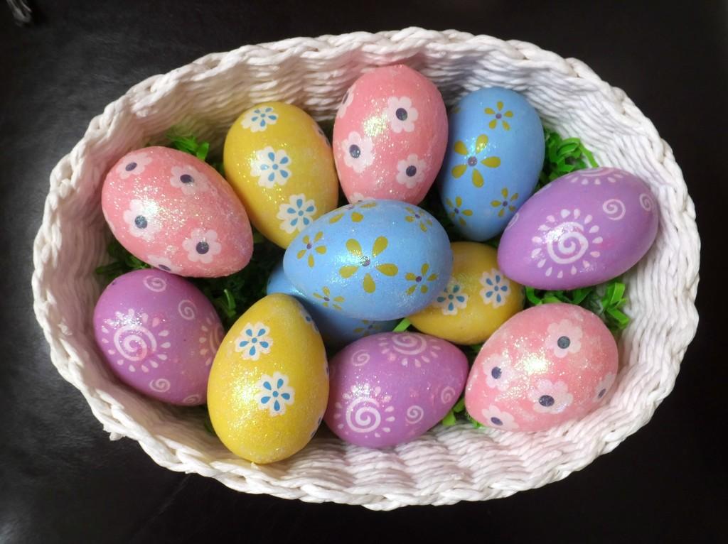 Basket Of Joy by linnypinny