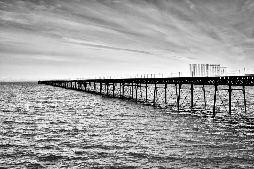 Ramsey IOM:  Queen's Pier 3 by vignouse
