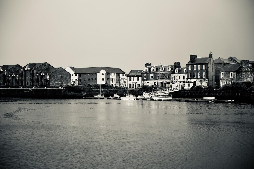 105/365 - I do like to be beside the seaside.  by wag864