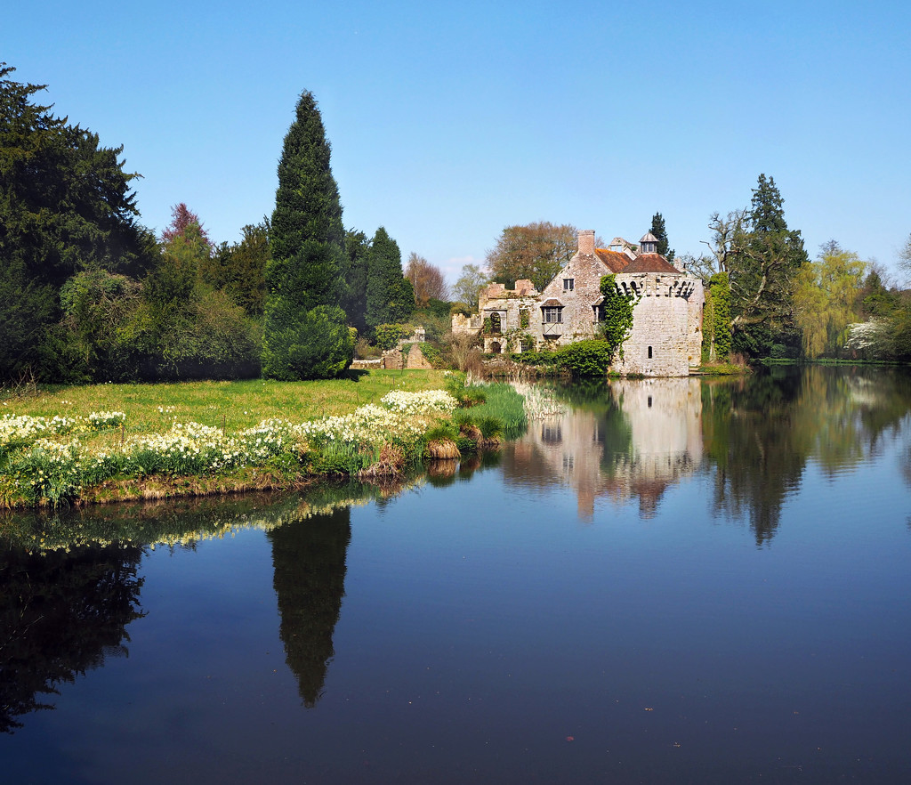 Reflections in the moat by suesmith