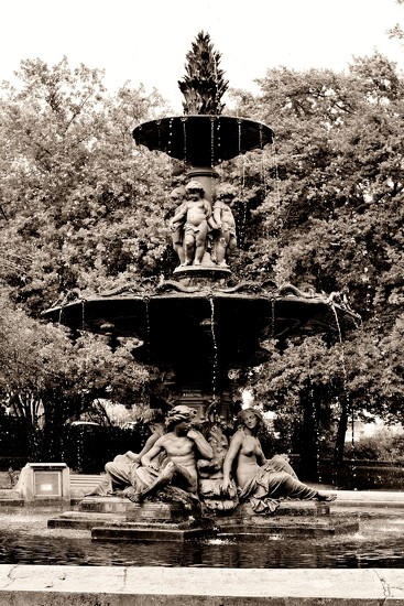 Val d'Osne Fountain by wenbow