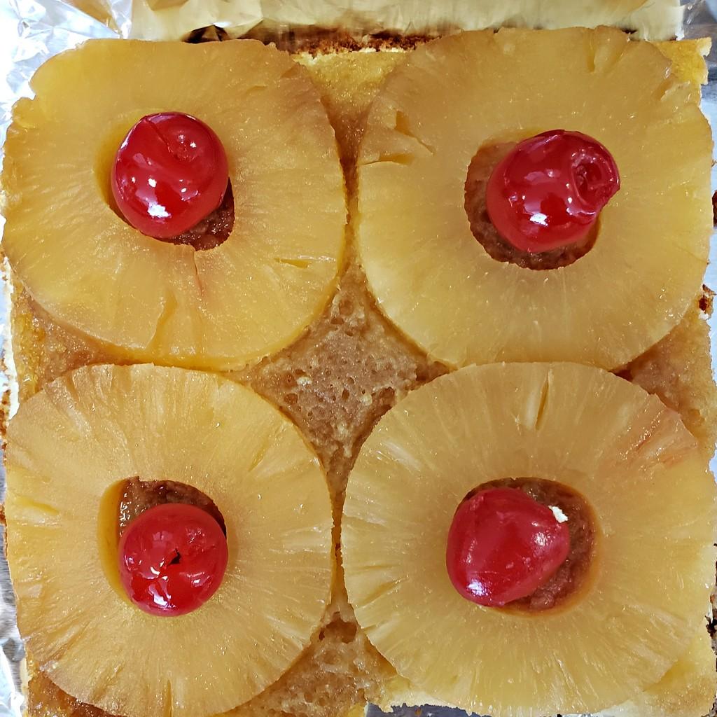 Pineapple Upside Down Cake by melinareyes