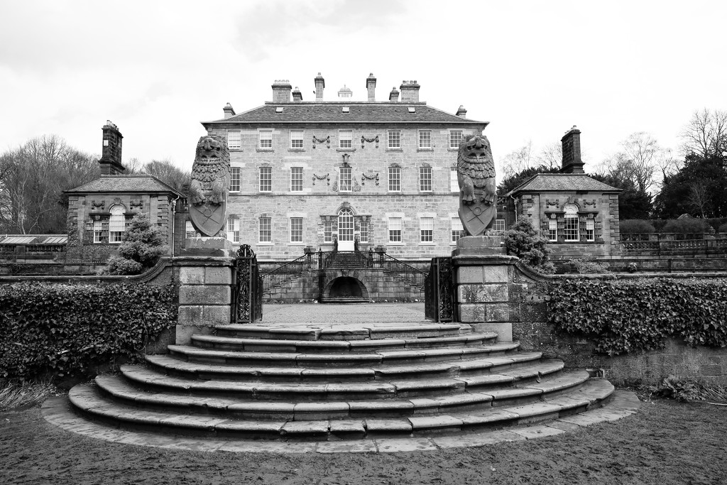 106/365 - Pollok House by wag864