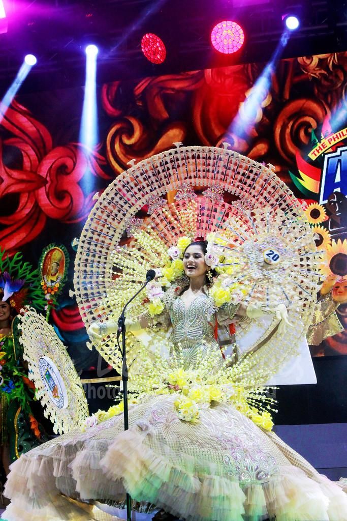 Reyna ng Aliwan 2018 - Best In Festival Costume by iamdencio