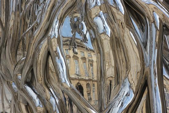 The People Tree - Subodh Gupta by jamibann