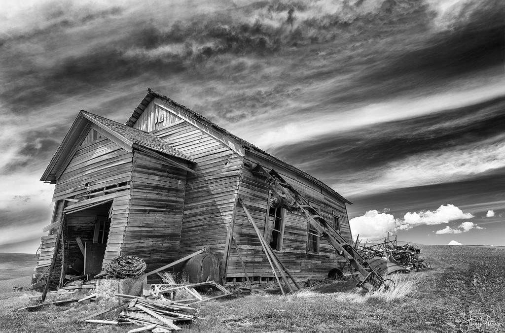 Skeene's School House  by jgpittenger